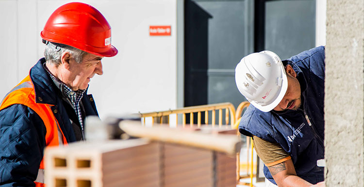 El número de empresas de construcción inscritas en el último mes crece un 13,8%, según la FLC