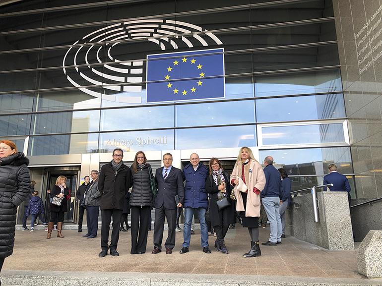 Parlamentarios europeos se comprometen a promover medidas de protección contra el fuego en edificios