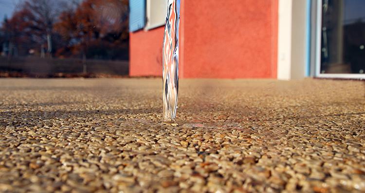 Pavimento continuo drenante que permite reutilizar el agua recuperada
