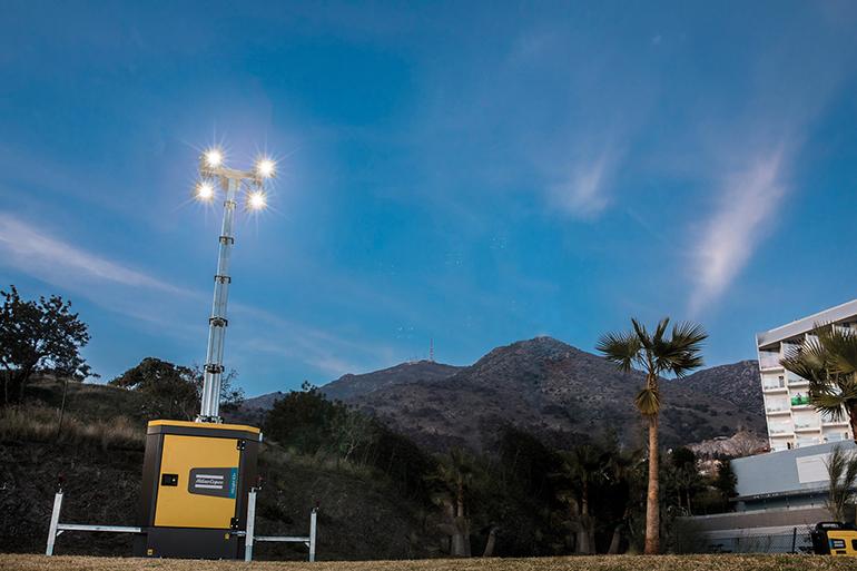 Torre de iluminación alimentada por baterías sin ruidos ni emisiones