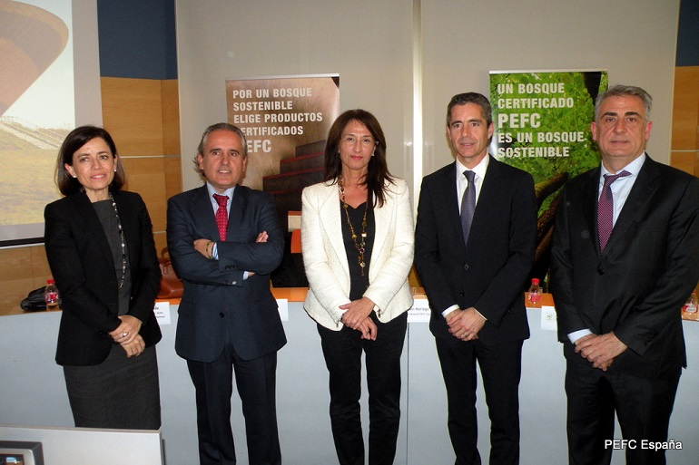Marta Conde (Maderia), Ramón Prous ( Altave & Eco-Store Sustainable), Ana Belén Noriega (PEFC España), Mauricio Inglada (L´Antic Colonial) y Ramón Gabarró ( Gabarró Hermanos)
