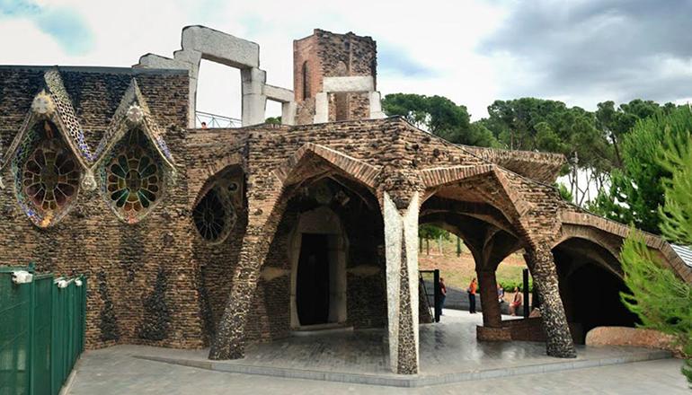 Pabellón acceso Colonia Güell