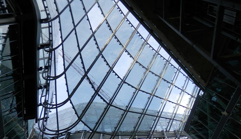 Lucernario con vidrios fotovoltaicos en el Puerto de Mallorca