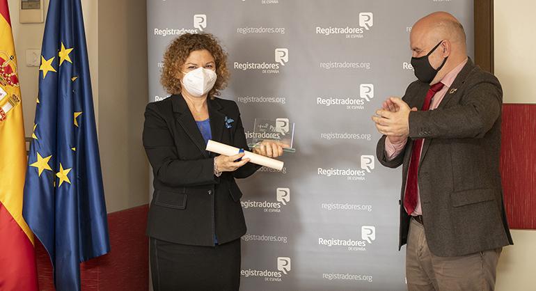 La decana de Registradores recoge el Premio cermi.es 2020 en la categoría Acción Social