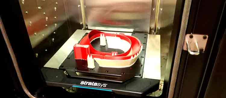 Tecnología en impresión 3D para elaborar estructuras para las pantallas de protección facial