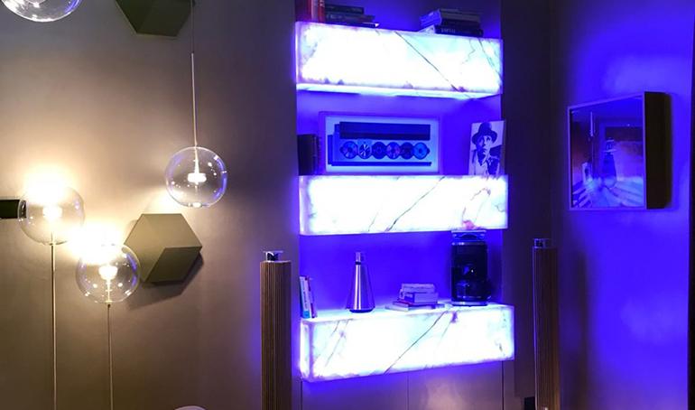 Retroiluminación de luz blanca o multicolor con sistema LGP