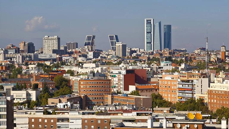 Los británicos continúan siendo los extranjeros que más vivienda compran en España